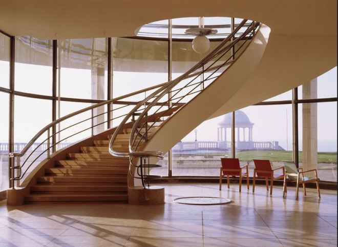 dlwp staircase and light